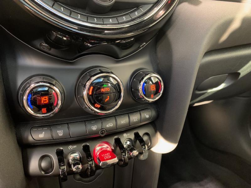 Occasion MINI Mini Cooper 136ch Blackfriars 2017 Deep Blue 20900 € à Terville
