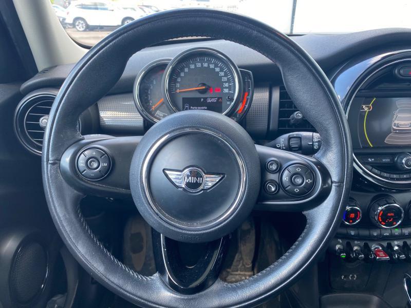 Occasion MINI Mini 5 Portes Cooper 136ch Blackfriars BVA 2017 Midnight Black 20790 € à Terville