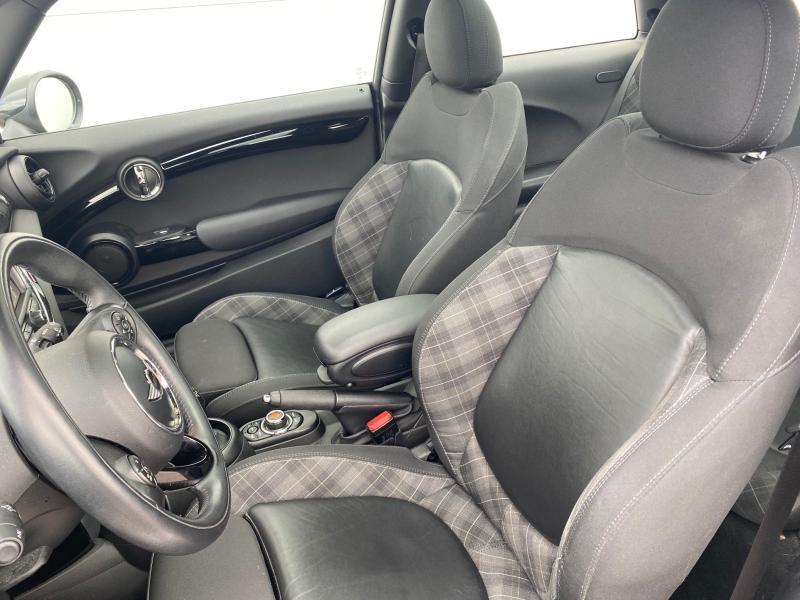 Occasion MINI Mini Cooper D 116ch Blackfriars BVA7 102g 2018 Melting Silver 21790 € à Terville