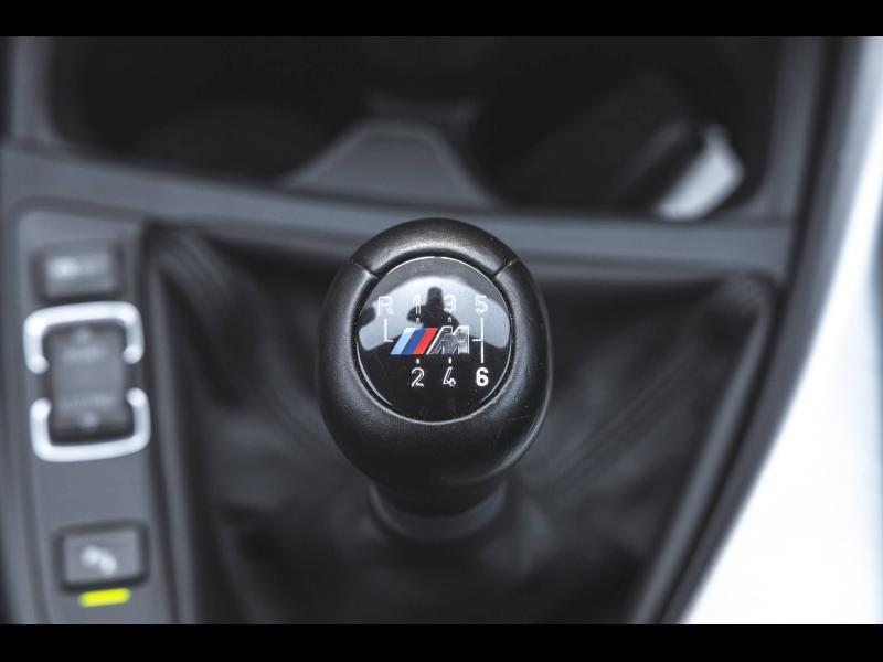Occasion BMW Série 1 120i 184 Sport 5p Pack M Full Led Radar AV/AR Siège chauffant Régulateur GPS Clim Garantie 1 2017 Alpinweiss 23990 € à Rosheim