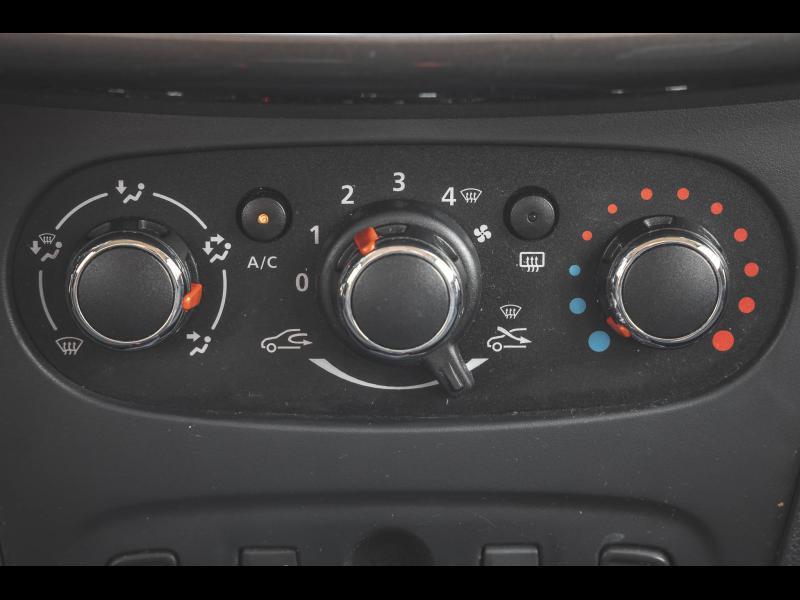 Occasion DACIA Sandero 1.5 dCi 90 Clim Bluetooth USB Garantie 6 Mois 2015 Noir nacré 7990 € à Sélestat